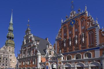 Schwarzhäupterhaus und Petrikirche   in Riga