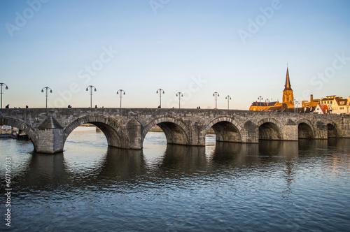 Zdjęcia na płótnie, fototapety, obrazy : St. Servatius Bridge in Maastricht