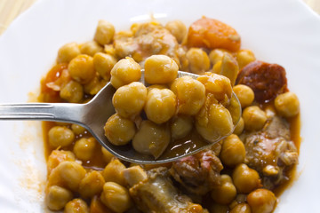 chickpeas with meat and tomato