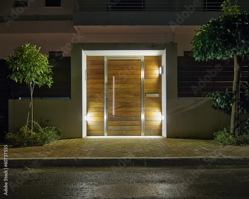 Keuken foto achterwand Athene Contemporary house entrance night view, Athens Greece