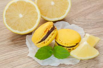 macaroons with lemon