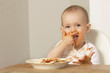 canvas print picture - Baby isst Spaghetti 00