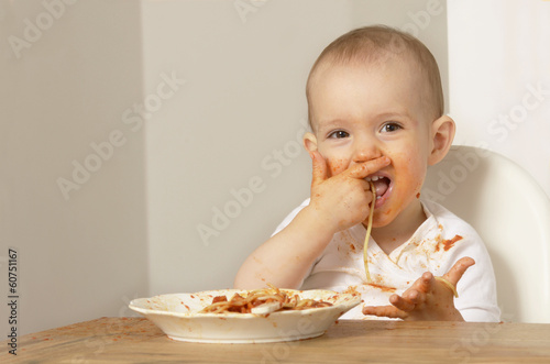 canvas print picture Baby isst Spaghetti 00