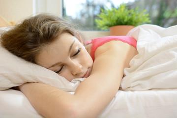 Teenager macht Mittags-Schlaf