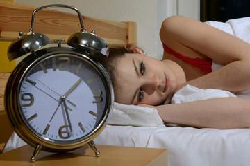 Jugendliche hat Probleme beim einschlafen