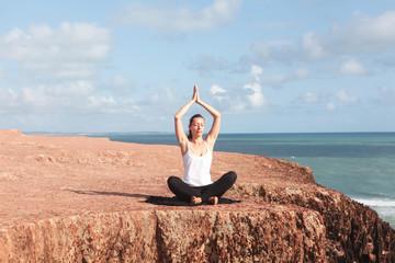 Yogaübung Schneidersitz