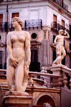 Statues Piazza Pretoria