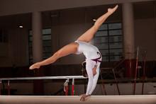 portrait de la formation des jeunes gymnastes dans le stade