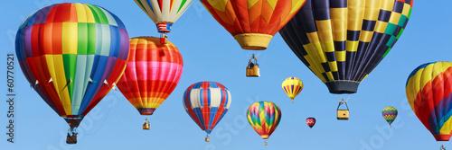 Kolorowe balony na gorące powietrze