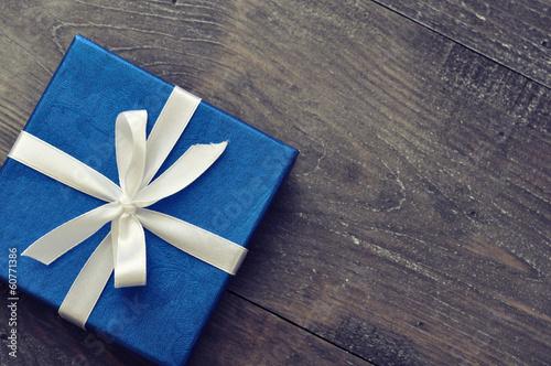 Leinwanddruck Bild Blue elegant gift box