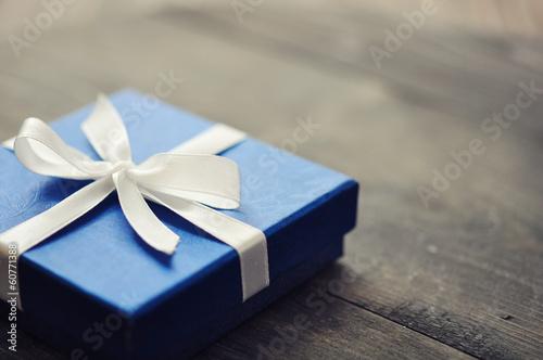 Leinwandbild Motiv Blue elegant gift box