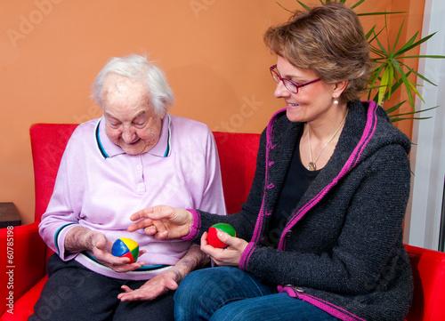 Poster Pflegerin mit alter Dame