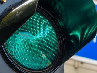 green light at a traffic light