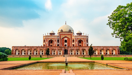 Humayuns Tomb, popular destination in Delhi
