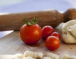 pomodorini, freschi appena colti