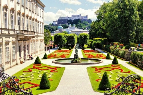 Foto op Canvas Tuin View through beautiful gardens to castle, Salzburg, Austria