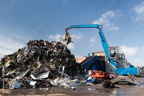 metal scrap loading machine