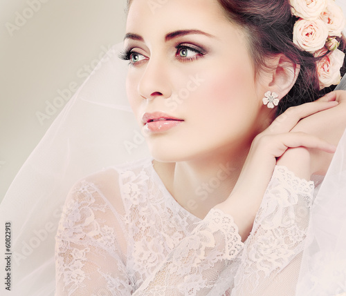 Portrait of beautiful bride. Wedding dress. Wedding decoration - 60822913