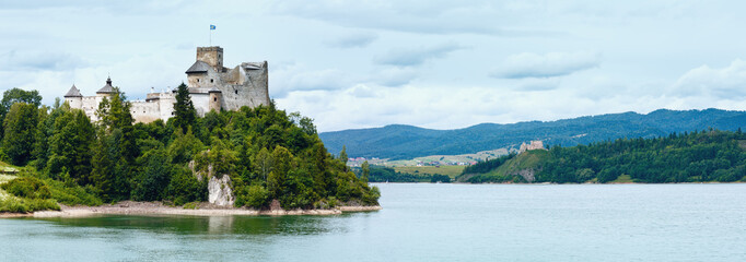 Niedzica Castle (or Dunajec Castle) summer panorama (Poland).