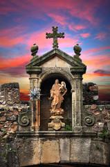 Cáceres, Virgen de la Estrella bajo un cielo con celajes