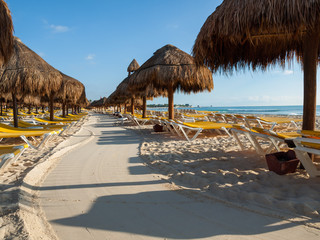 Verlassener Resort Strand in Cancun
