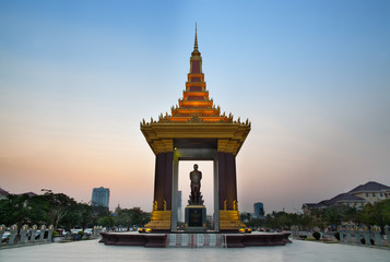 Statue of King Norodom Sihanouk, Phnom Penh, Travel Attractions