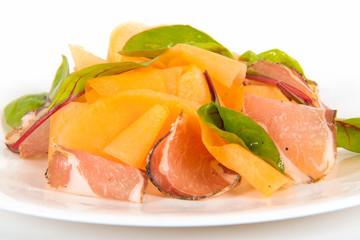 melon et jambon sur assiette