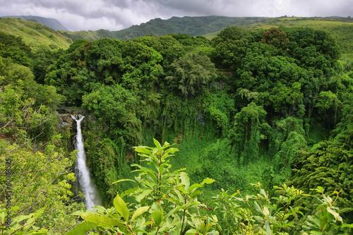 Papiers peints Cascade Makahiku falls in Waimoku falls trail