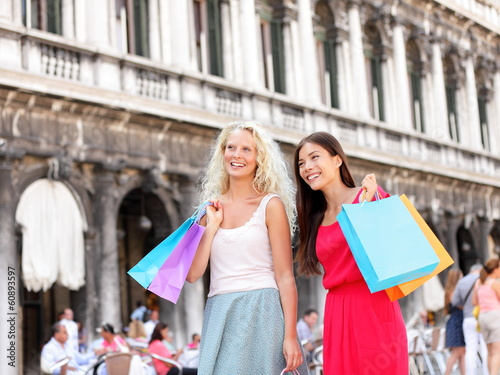 Shopping women - girl shoppers with bags, Venice