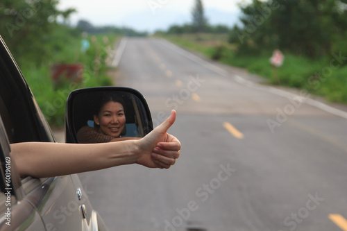 woman hand doing thumbs-up