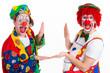 clowns zeigen mit den händen einen rahmen