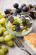 Trauben-Tofu-Salat mit Basilikum