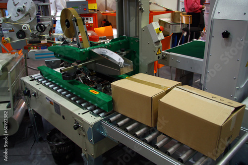 Leinwanddruck Bild Package machine