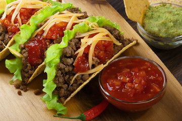 tacos with minced meat and tomato salsa