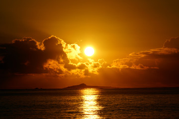 Sunrises over Kaohikaipu (Black/Turtle) Islands with sunlight re