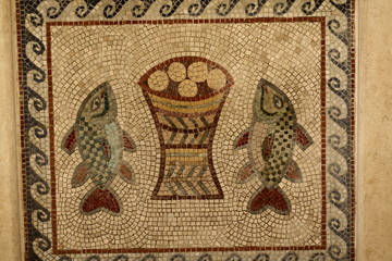 mosaic of 2 fishes and 5 loaves