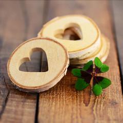 Herzen mit Kleeblatt