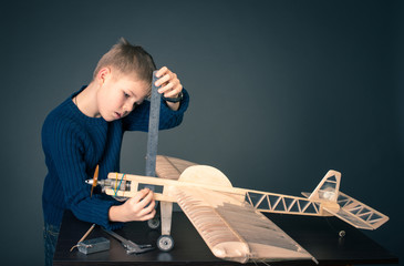 Creating the model plane  Measuring thickness