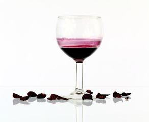 abgestandener Wein im Glas
