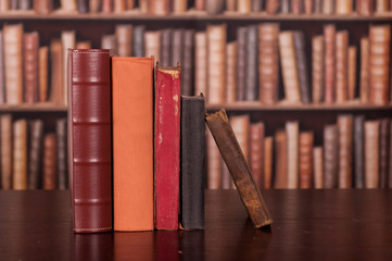 Stare książki biblioteka