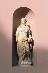 statua palazzo della Borsa