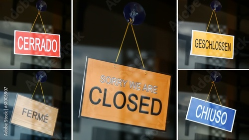 Open and closed signs (5 languages) - Open to closed - compositi