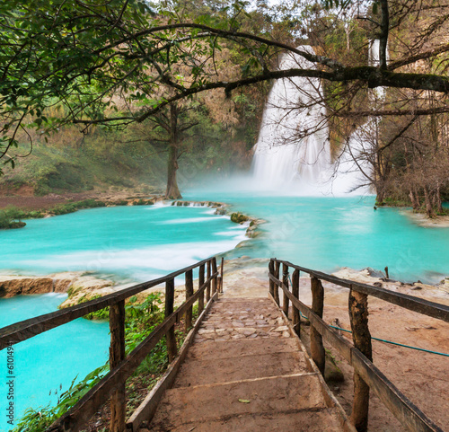 Tuinposter Watervallen Waterfall in Mexico