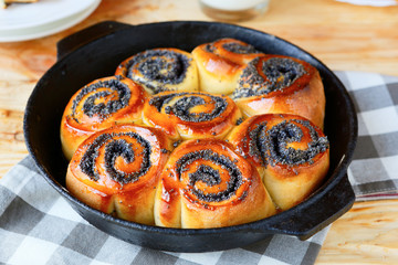 rustic round buns with poppy seeds