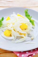 easy winter salad with fennel