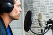 Sänger oder Musiker bei Aufnahme im Studio