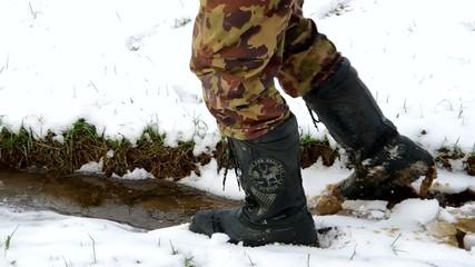 Breaking down of ice floe