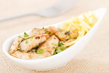 Pollo al limon con ajo - Chicken with lemon and garlic. Tapas!