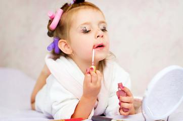kid painting lips