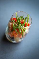 Tartare, saumon, poisson, tomate, poivron, salicorne